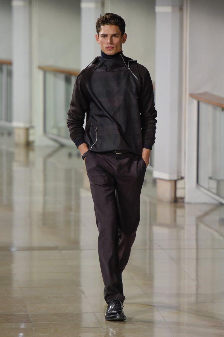 愛馬仕秋冬男裝,打摺褲也走寬鬆路線。圖/HERMES提供