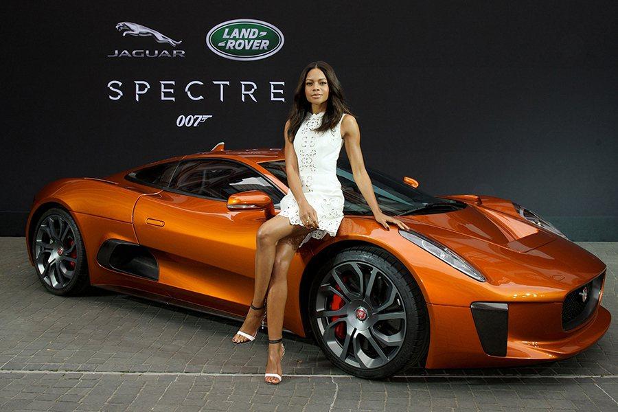 惡魔四伏》中飾演Moneypenny的英國女星Naomie Harris、與飾演反派Hinx的世界摔角冠軍- David Bautista擔任嘉賓。 Jaguar Land Rover