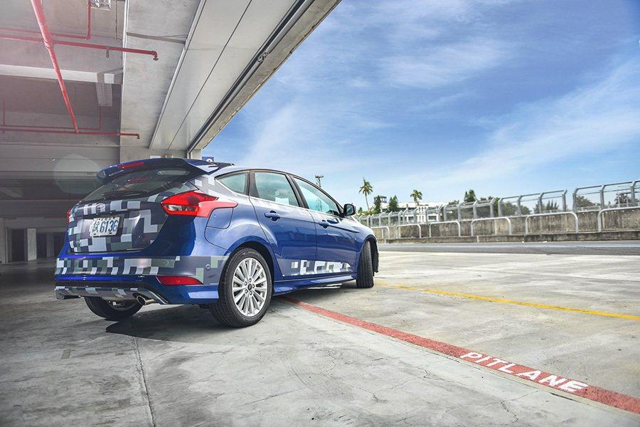 Ford New Focus測試車輛以原廠規格於大鵬灣賽道寫下2分16秒的極佳單圈表現。 Ford提供