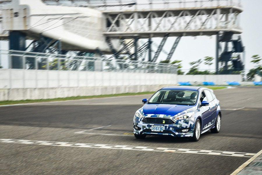 歸功於一系列的系統調校與加載,讓Ford New Focus在穩定性、精準度、靈活度和舒適度四個面向上,擁有更為優異的表現。 Ford提供