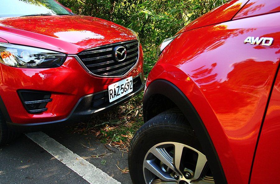 性能輸出相似的SUV車款KIA Sportage及Mazda CX-5。 記者敖啟恩/攝影