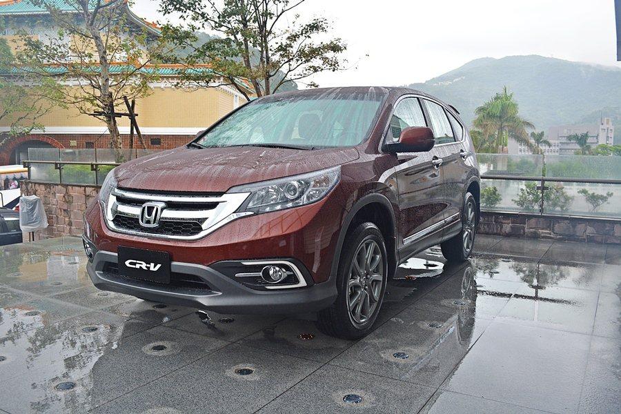 第4代CR-V於2012年推出,以低重和低底盤帶來優異的運動性,仍在SUV市場中...