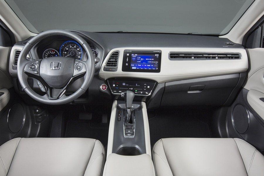 本田的HR-V保有簡約而精緻的內裝,還有多變化的空間機能。  圖/HONDA提...
