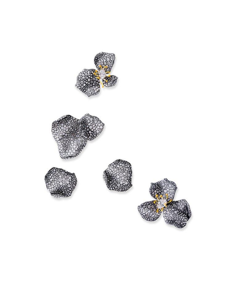 CINDY CHAO白鑽玫瑰花瓣胸針與戒指,呈現花瓣自然飄落的隨性美。圖╱CIN...