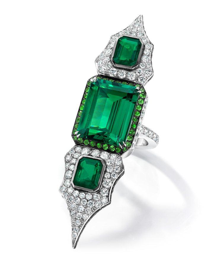 ANNA HU天盾頌祖母綠戒指,10.57克拉頂級哥倫比亞祖母綠寶石盡顯氣勢。圖...