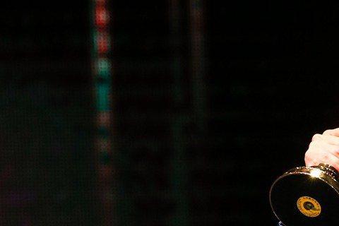 由黃子佼所主持的節目「全球中文音樂榜上榜」得到最佳綜藝節目獎,黃子佼也得到最佳主持人獎,黃子佼在台上發表感言:「謝謝心愛的耿如,儘管我只拿到一座,不過,我們找時間就把婚結一結了吧。」大膽求婚令人感動...