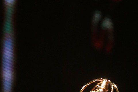 金鐘幕後噓編直擊!許瑋甯勇奪女配角獎,談到小天卻只有苦笑,變心愛上林心如了啦!#金鐘幕後 #噓編直擊 許瑋甯勇奪女配角獎,談到小天卻只有苦笑,變心愛上林心如了啦!#金鐘得獎名單:udn.com/gb...