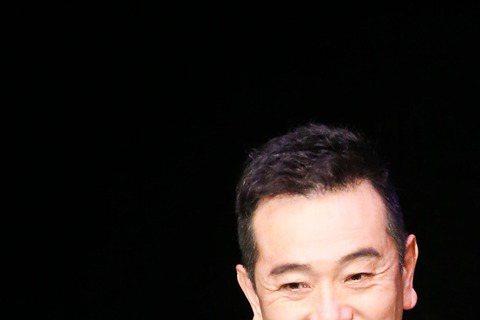 第五十屆電視金鐘獎在國父紀念館頒獎,天心(右)與張晨光(左)擔任頒獎人。