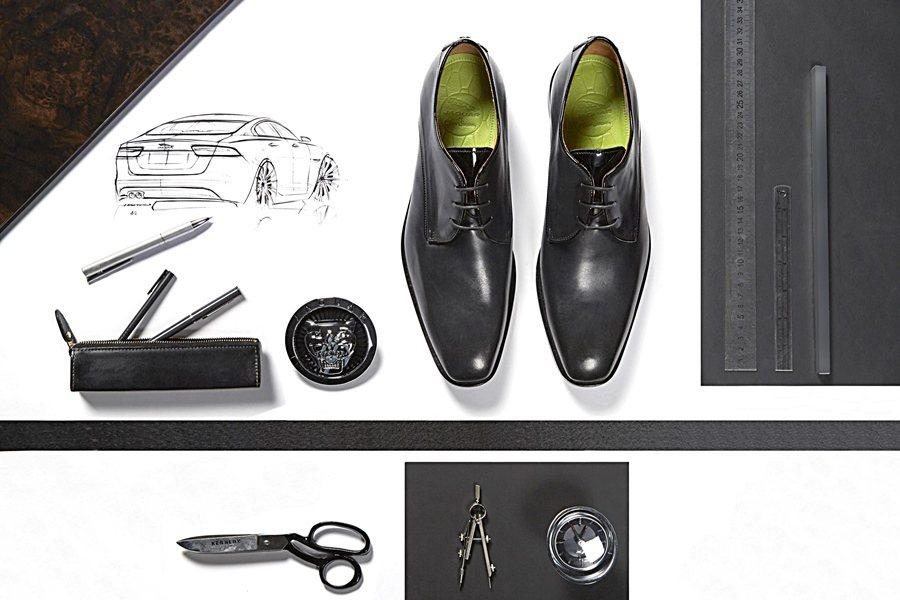 Jaguar與倫敦知名頂級手工訂製鞋品牌Oliver Sweeney,共同從Jaguar的XJ取得靈感而設計的專屬鞋款Weslake and Sayer,據說開車會變更輕鬆,車子更好掌控。。 圖/Jaguar提供