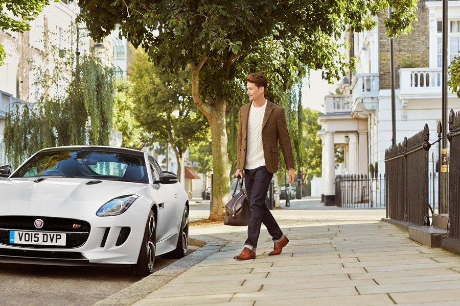 Weslake and Sayer除了適合正式場合使用,更考量到開車動作,而有獨特的機能性設計。 圖/Jaguar提供