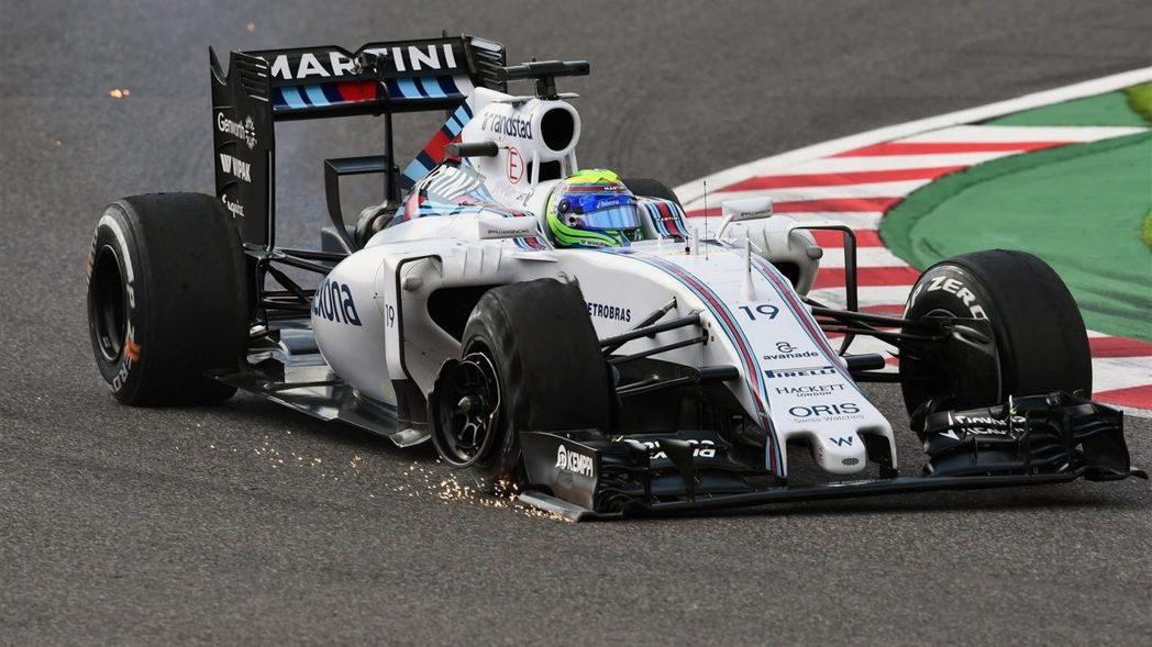 Massa一開賽就與Ricciardo發生碰撞,最終僅以17名完賽。 摘自F1