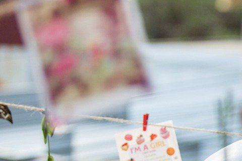 當「KANO」小鮮肉曹佑寧吻上「大馬郭雪芙」林明禎,到底會撞出什麼火花?林明禎的新歌「不佔有」MV,找來了曹佑寧合作,她說對曹的第一印象是高瘦,感覺就是個運動很厲害的人,但兩人都太害羞,只親了半套,...