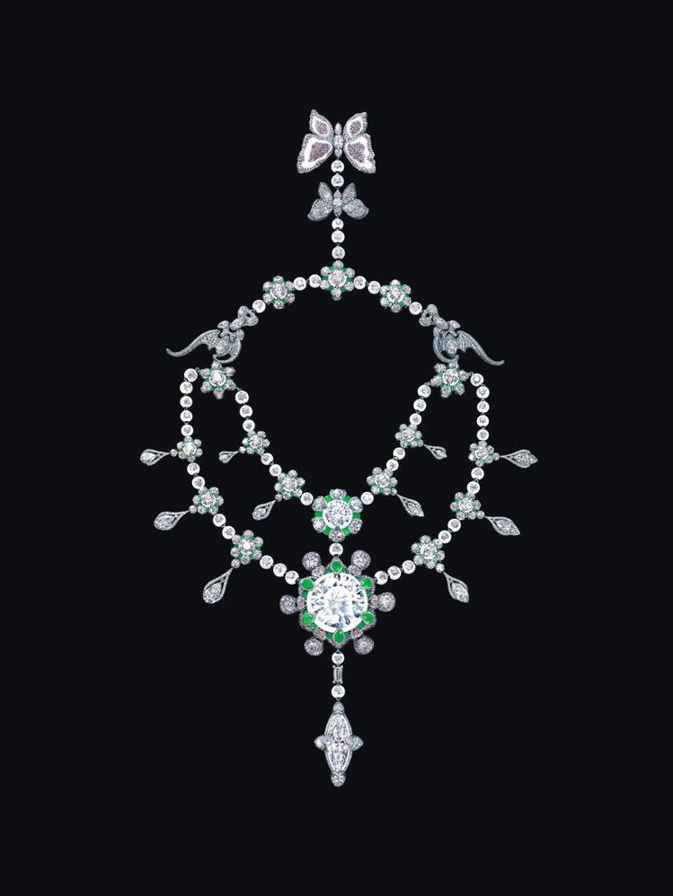 《裕世鑽芳華》由享譽國際珠寶藝術家Wallace Chan創作獨一無二,具有27...