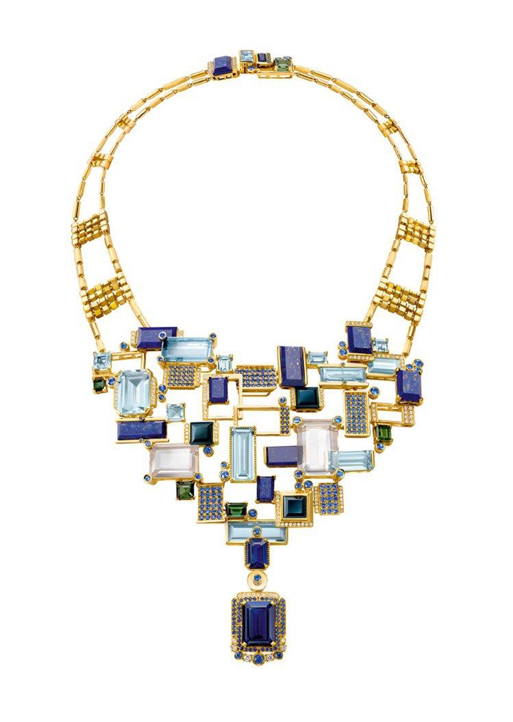 凝靜光粼--長方形水晶片、海藍寶、青金石、藍寶石及立方黃鑽以18K黃金鑲嵌,描繪...