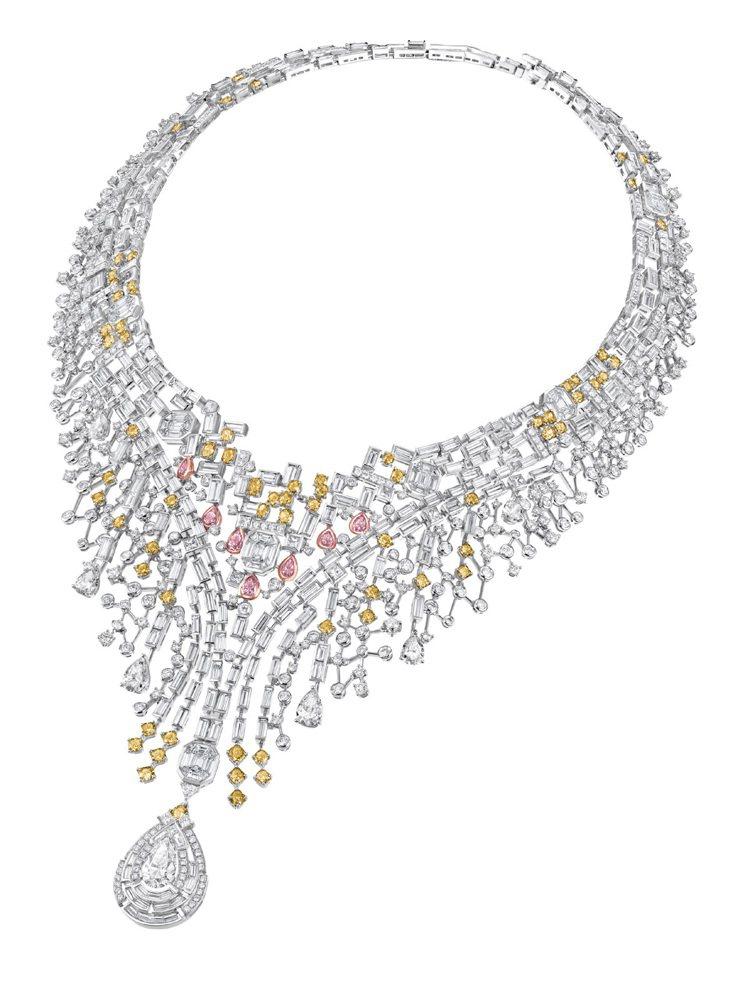 高棉幻鑽--18K白色黃金項鍊,雜形白、黃、粉紅鑽分三層排列,揭開高棉文化的神秘...