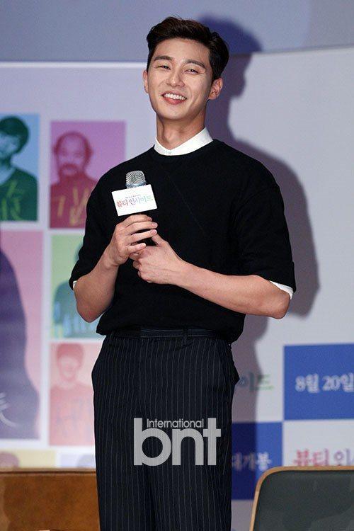 朴敘俊在《她很漂亮》中飾演時尚雜誌副總編輯。圖/bnt提供