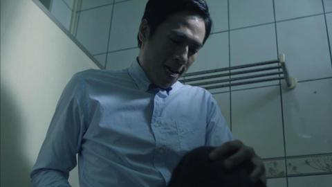 高雄電影節公布「台灣越界」單元片單,改編自特教學校集體性侵事件的「午休時間」裡,金鐘影帝莊凱勛當起反派,性侵少女情節殘忍,爆發暗黑演技,逼真的口交畫面更是一大挑戰。