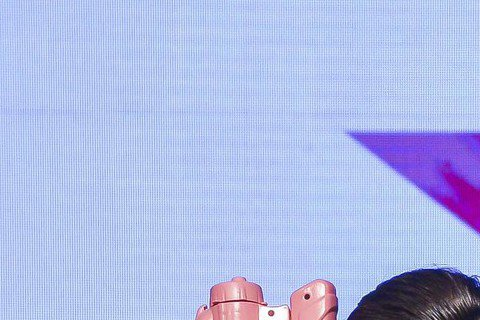 Star World 10月強打「2015維多利亞的秘密時尚泳裝特輯」、「童話小鎮第4季」與「OPPO SMARTPHONE美國超級名模生死鬥第22季」近日先後登場,11日也舉辦Pink Day活動...