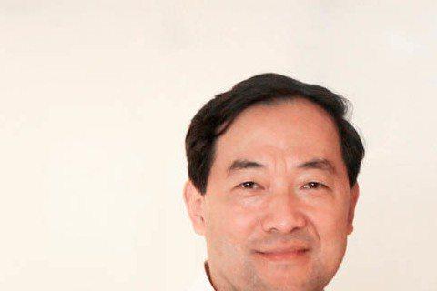 金秀賢所屬經紀公司Keyeast表示,中國阿里巴巴影業集團已於本月3日(10月3日)就金秀賢後續電影作品《Real》(導演:李正燮,製作:Real文化產業公司)的投資以及中國地區的發售簽署了協定。協...