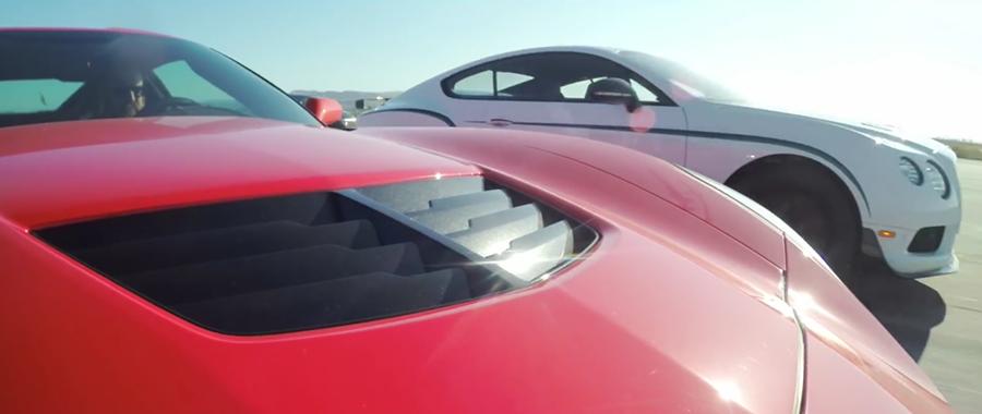 搭載四輪驅動的 Bentley Continental GT3-R一起跑就保持領...