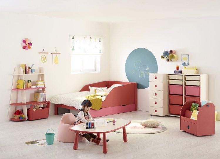 iloom成長系列傢俱。圖/圓祥企業提供