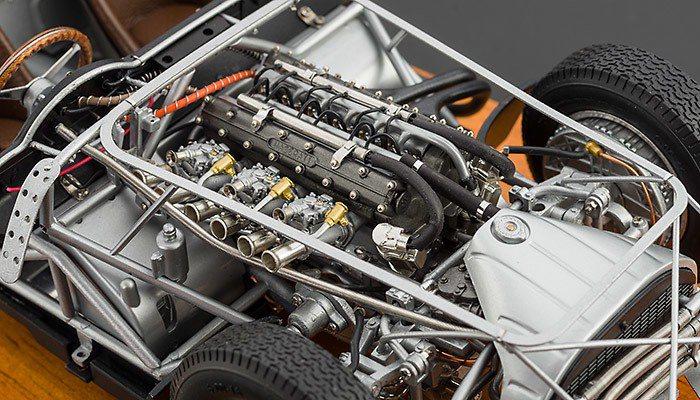 以極精密的金屬零件打造1/18縮小比例的引擎模型是CMC的一大賣點。 摘自CMC