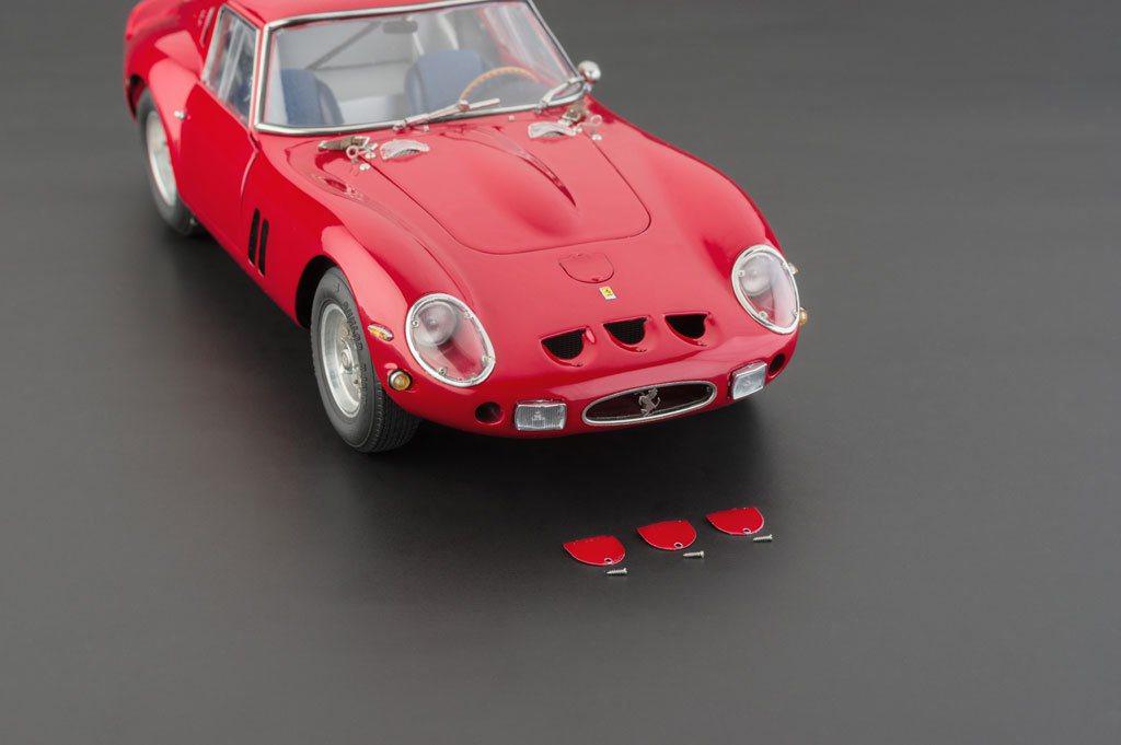 這螺絲大小跟眼鏡零件簡直沒兩樣,250 GTO的零件數將高達1841個。 摘自C...