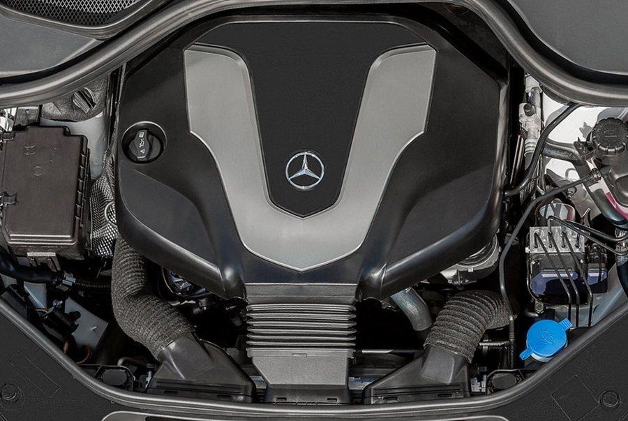 3.0升V6引擎扭力輸出不弱,也讓起步加速完全沒有大車的持重。
