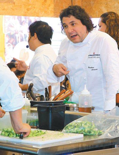 秘魯廚神阿庫里歐。 特派記者陳柏亨/秘魯攝影