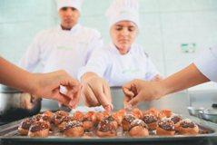 秘魯/貧民窟的廚藝學校 為貧窮青少烘焙夢想