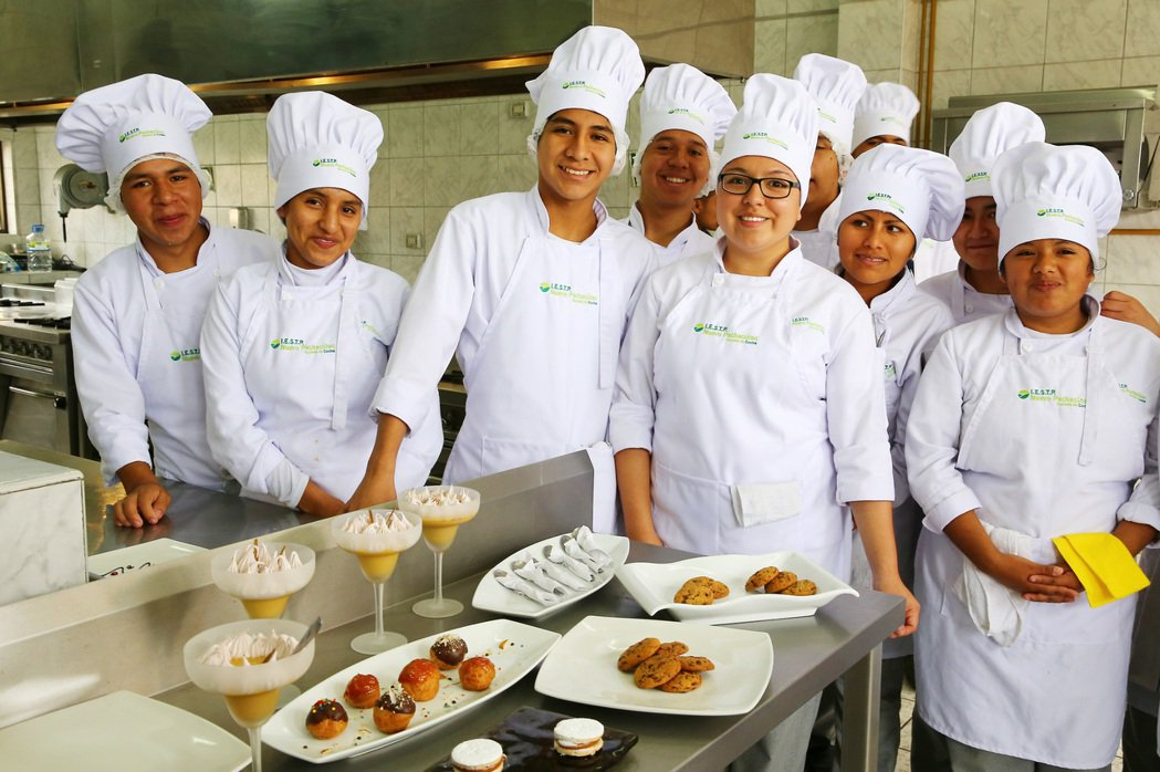 Pachacutec學校由Gaston和修道院共同成立,幫助貧童藉由廚藝訓練改善...
