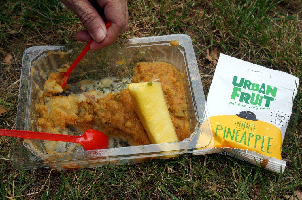 Food for life提供的免費食物。 特派記者曾吉松/英、法攝影