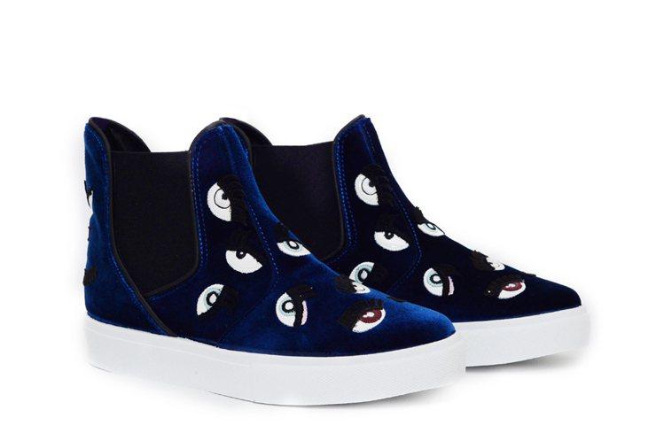 Monster系列 深藍多眼怪滑板鞋 $17,600。圖/Chiara Ferr...