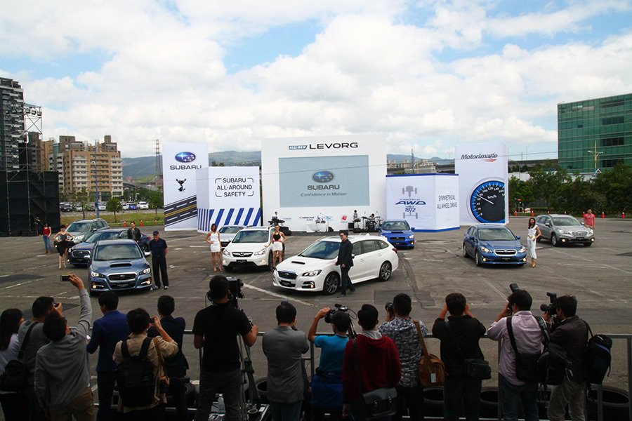 SUBARU台灣意美汽車特別於發表會打造獨一無二的SUBARU品牌車秀。 記者敖...