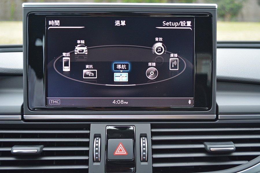 中控台MMI 3G Plus資訊硬體整合系統,改款後更多了人性化,不僅提升螢幕的...