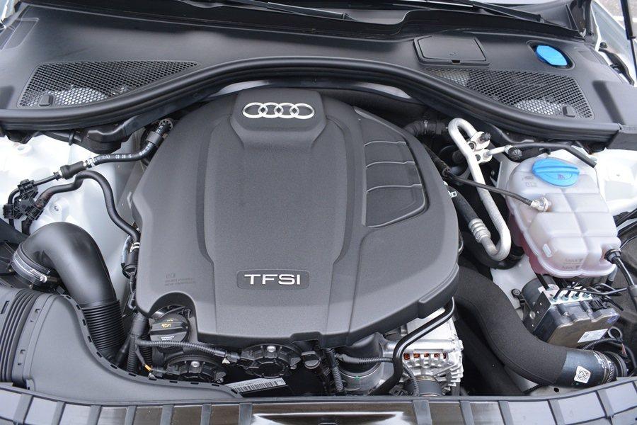 的動力為2.0 升渦輪增壓搭配缸內直噴,最大馬力252hp,最大扭力37.8公斤...