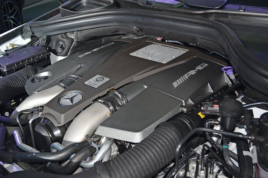 GLE 63 AMG Coupe搭載5.4升V8汽油引擎,最大馬力557匹,最大...