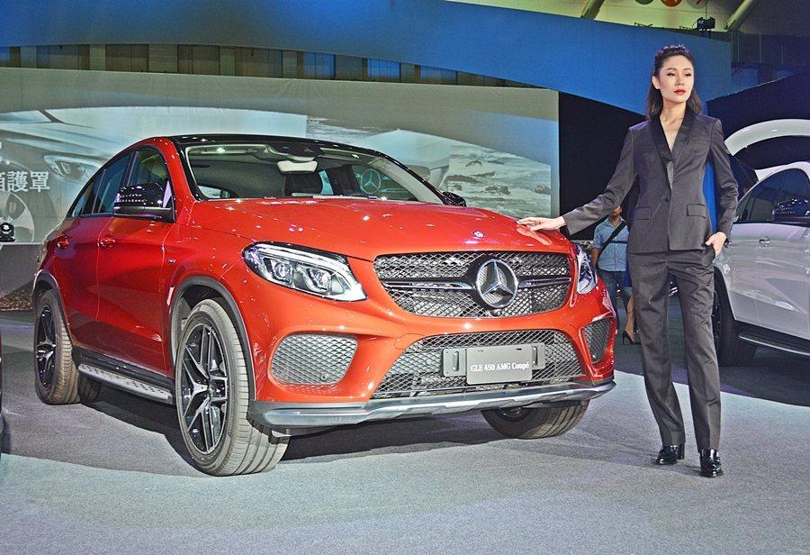搭載3.0升雙渦輪增壓汽油引擎的GLE 450 AMG,是AMG-Sport家族...