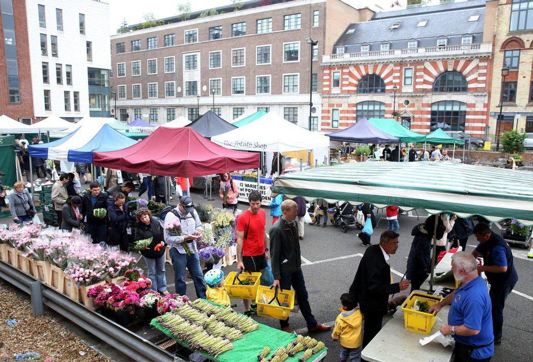 倫敦Marylebone farmers market每逢星期日開市,小農群聚標...
