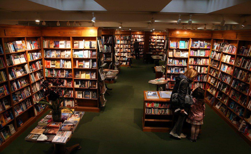 倫敦最美的書店Daunt book。 特派記者曾吉松/英、法攝影