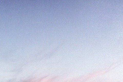 以歌手形象先被人熟知的韓庚今在微博寫下「在開始的地方說再見,最後一張唱片。」讓不少粉絲感到震驚,莫非韓庚要封麥了?韓庚同時也附上他的出道十年紀錄電影《卸裝》的第一版預告,題為「韓國往事」,在兩分半的...