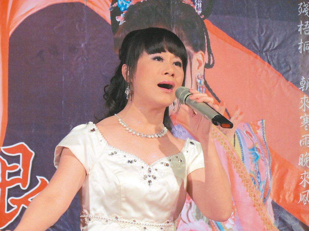 李靜芳為傳統歌仔戲注入新元素,她出專輯獲頒金曲獎,「李靜芳歌仔戲團」也獲選為南投...