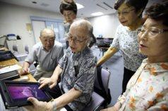 日本人瑞數破6萬 長照險1年就給付10兆日圓