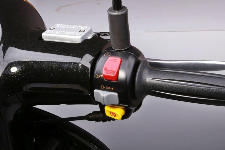 PGO同步導入加強型啟動馬達與PGO獨家專利大燈控制器的能源管理系統,提升電能消...