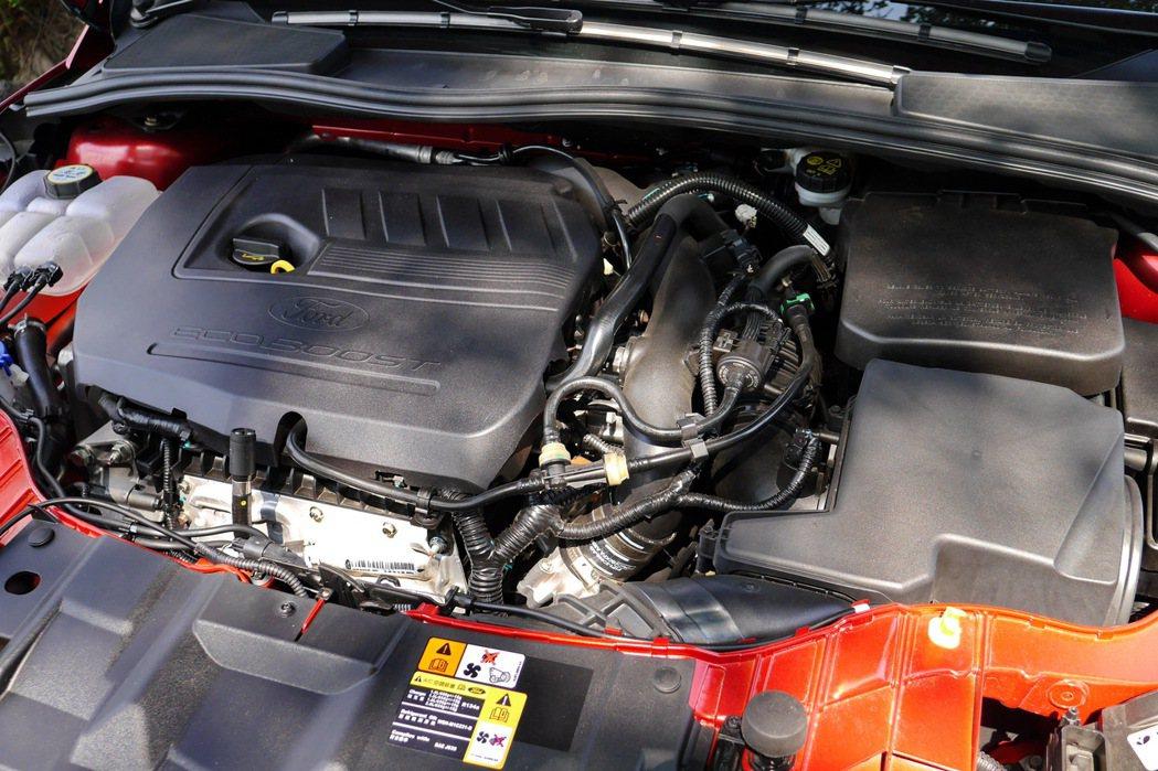全新導入到Focus車系的1.5升EcoBoost渦輪增壓缸內直噴汽油引擎。 記...