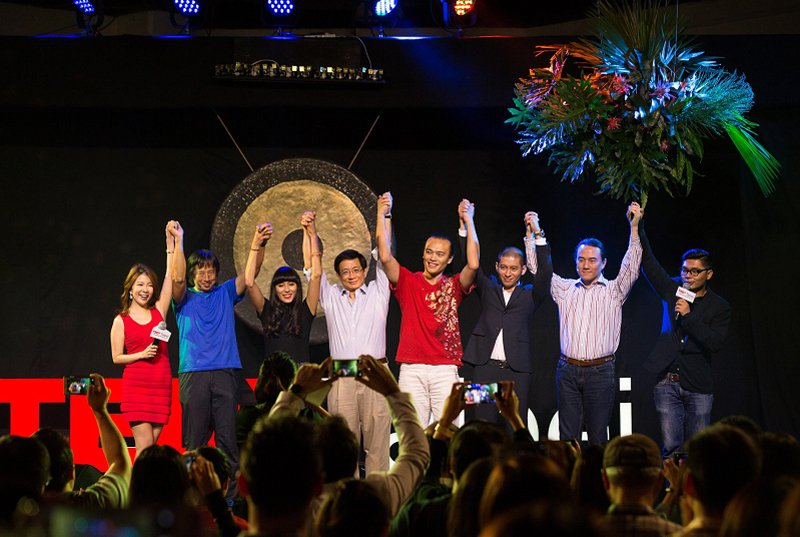 TEDxTaipei 2015 年會 Big Bang 獲得觀眾廣大迴響,左起共...