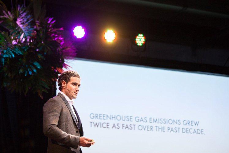 電動車專家Alexander Kotouc 演講分享。圖片提供/TEDxTaip...