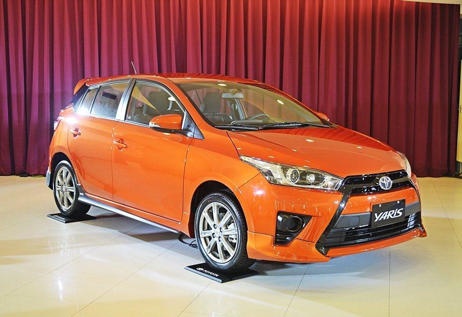Toyota品牌主力車款Yari本周推出一款配備加值的特仕車Yaris,共有St...
