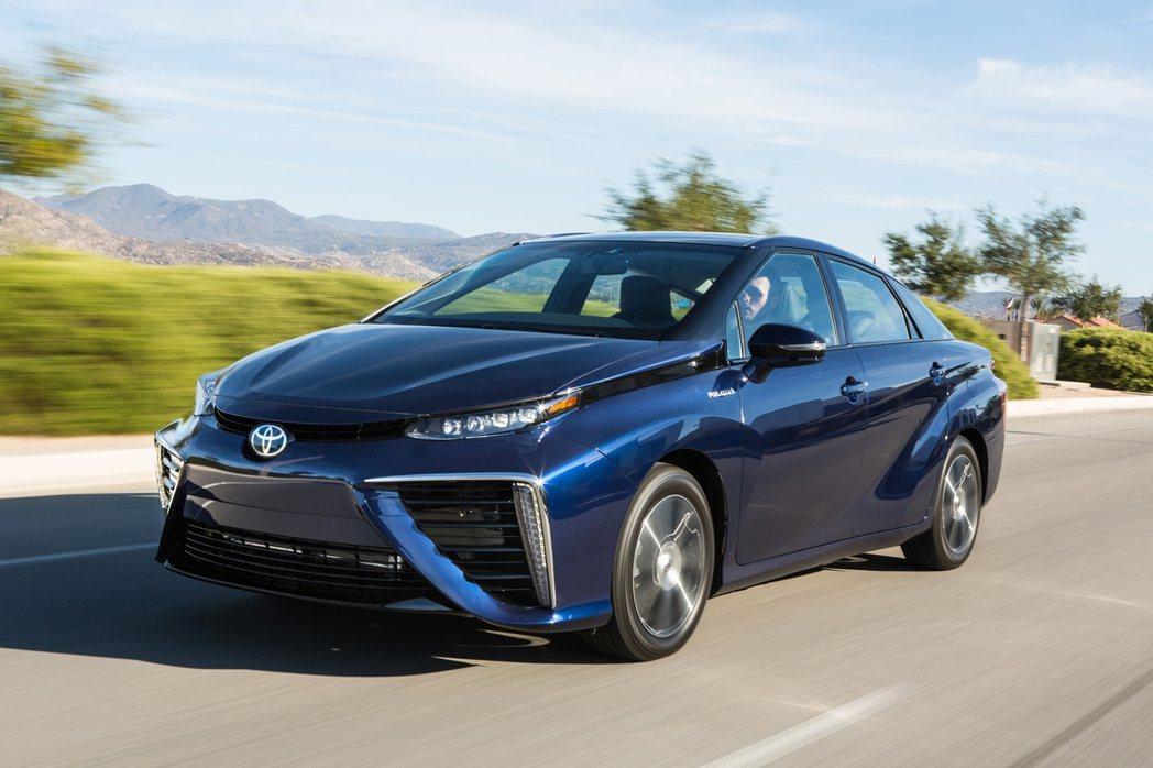 全球首部量產的氫燃料電池車Toyota Mirai。 圖/Toyota提供