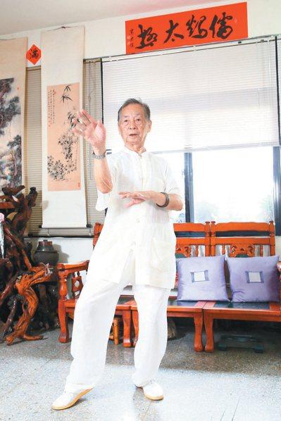 高齡一百零六歲的宋發棟是國內儒鶴拳的宗師級人物。 記者王騰毅/攝影